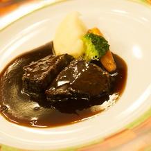 和牛ほほ肉のやわらか赤ワイン煮