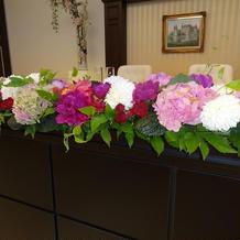 新郎新婦席の装花です。