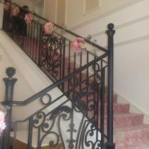吹き抜けの階段で開放的でした