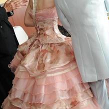 新婦カラードレス背面