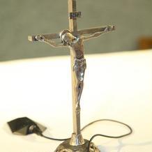 証明書横にはこのような十字架も。