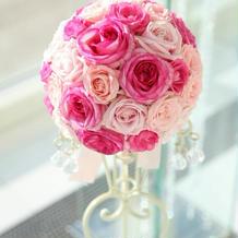 花冠の色と合わせたブーケ。