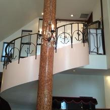 2階から3階への螺旋階段
