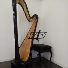 挙式でハープ演奏してもらえます。
