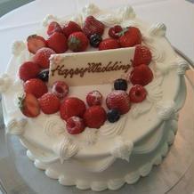 この立派なケーキがサービスなんて!!