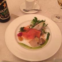 色鮮やかなお野菜と海鮮類