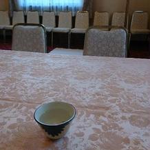 待合室では桜湯を出してくれました。