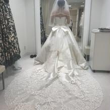 ウェディングドレスです