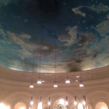 挙式会場はとにかく天井が素敵