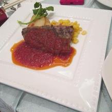 肉料理。脂っこくなくて食べやすいお肉。