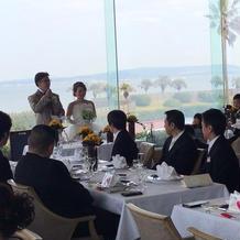海が一望できるレストランでの披露宴