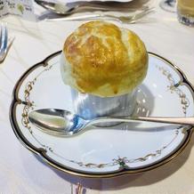 海の幸パイ包みのスープ