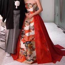 和装ドレスの赤です。