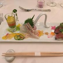 お肉のお寿司が美味しかったです。