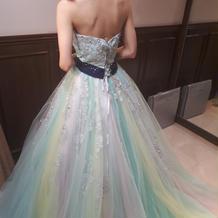 カラフルなドレス