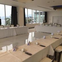 2階会食会場。この日は会議使用。