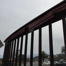 雨の日はこちらの屋根を出してくれます。