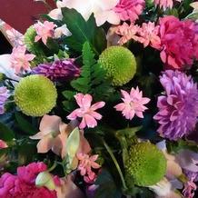 色とりどりでかわいい装花