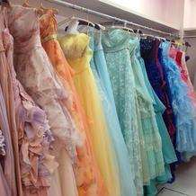 ドレスサロン。可愛いドレスがたくさん!!