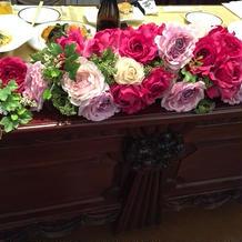 新郎・新婦テーブルの装花