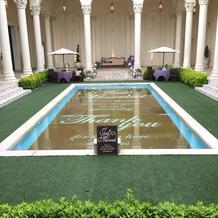 プールのある中庭!