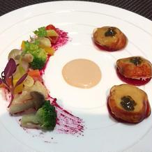 温野菜と海老の料理