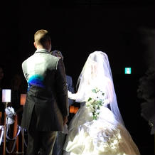白いフリルの素敵なドレス