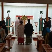 出雲大社の神様の前で式