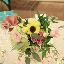 テーブルのお花も高砂と統一しました