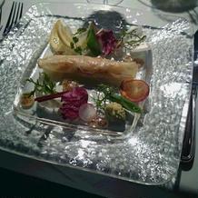 前菜の海老生春巻き。 野菜もおいしい!