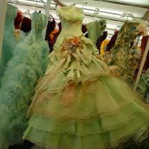 TUTUのドレス。ウエストラインが綺麗