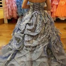 大人っぽいドレスもあります