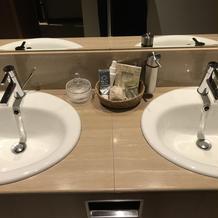 トイレもキレイ、アメニティあり