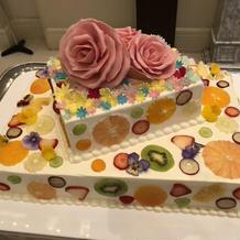 ケーキ。見た目も味も評判でした。