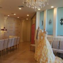 飾ってあるドレスがとても素敵でした。