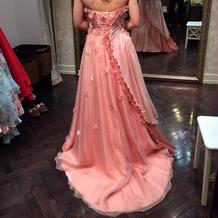カラードレス 後ろ