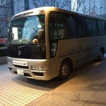 専用バスでゲストお迎え