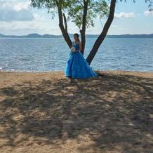夏の爽やかさがピッタリのドレス