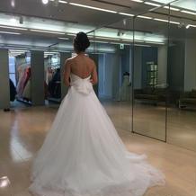 ウェディングドレスは1つ目に着た物決定