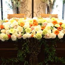 豪華なメイン装花