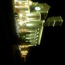 教会もライトアップされていました