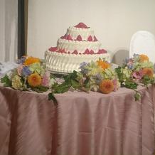 大きなウェディングケーキ