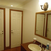 清潔感あるトイレ。こちらも装飾可能