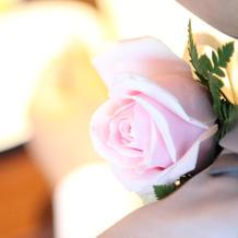 父親の胸元の花
