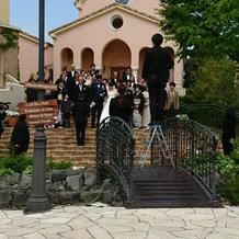 式の前に親族写真を撮った。