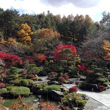 紅葉の時季の庭園1