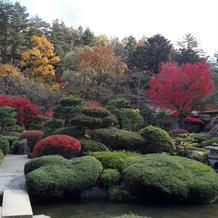 紅葉の時季の庭園2