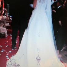 タキシードとドレス
