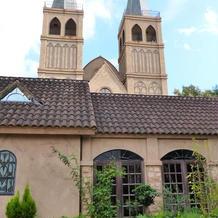 教会外観  屋根