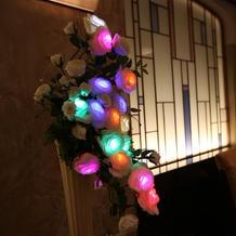 光る花の演出